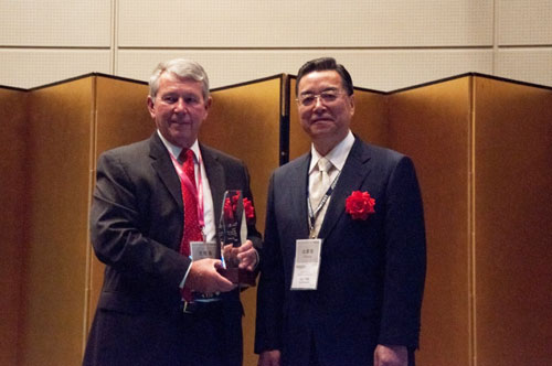 Left: Denny McGuirk, president and CEO of SEMI, Right: Toshio Maruyama, senior executive advisor of ADVANTEST